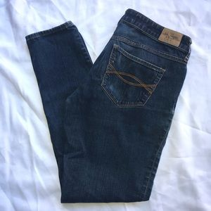 Abercrombie & Fitch the AF super skinny size 6s 28